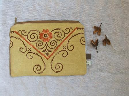 Yellow purse1