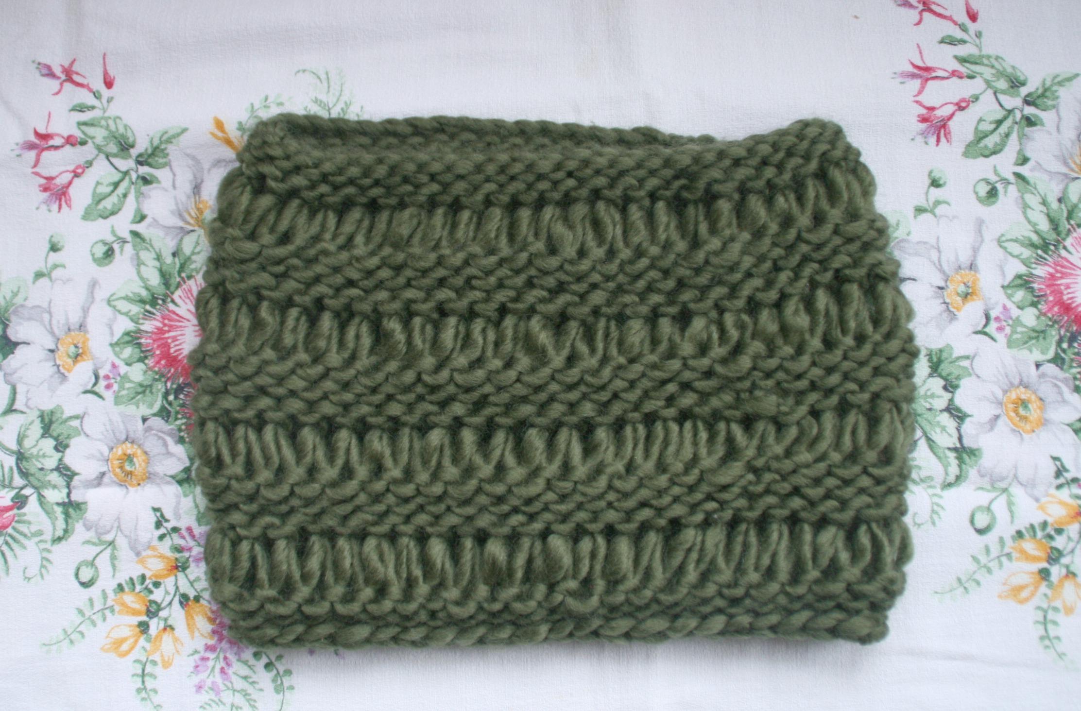 tiny happy: fern-green