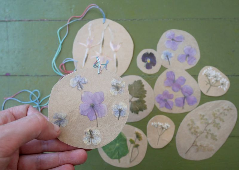 Pressed flower gift tags